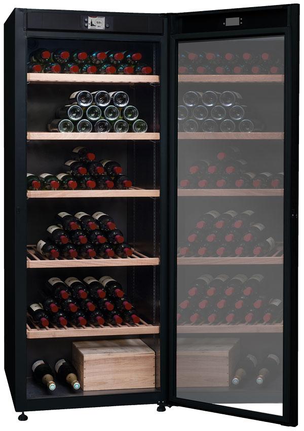 Stort vinlagringsskåp med monotemperatur och glasdörr
