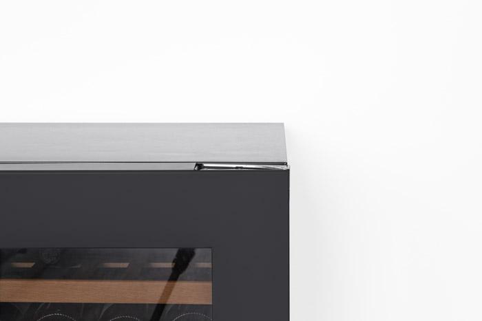 Detaljbild på rostfritt högskåp från mQuvée