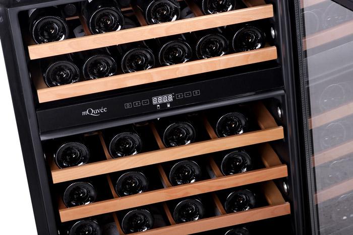 Inbyggbar modern vinkyl från mQuvee med plats för 45 flaskor