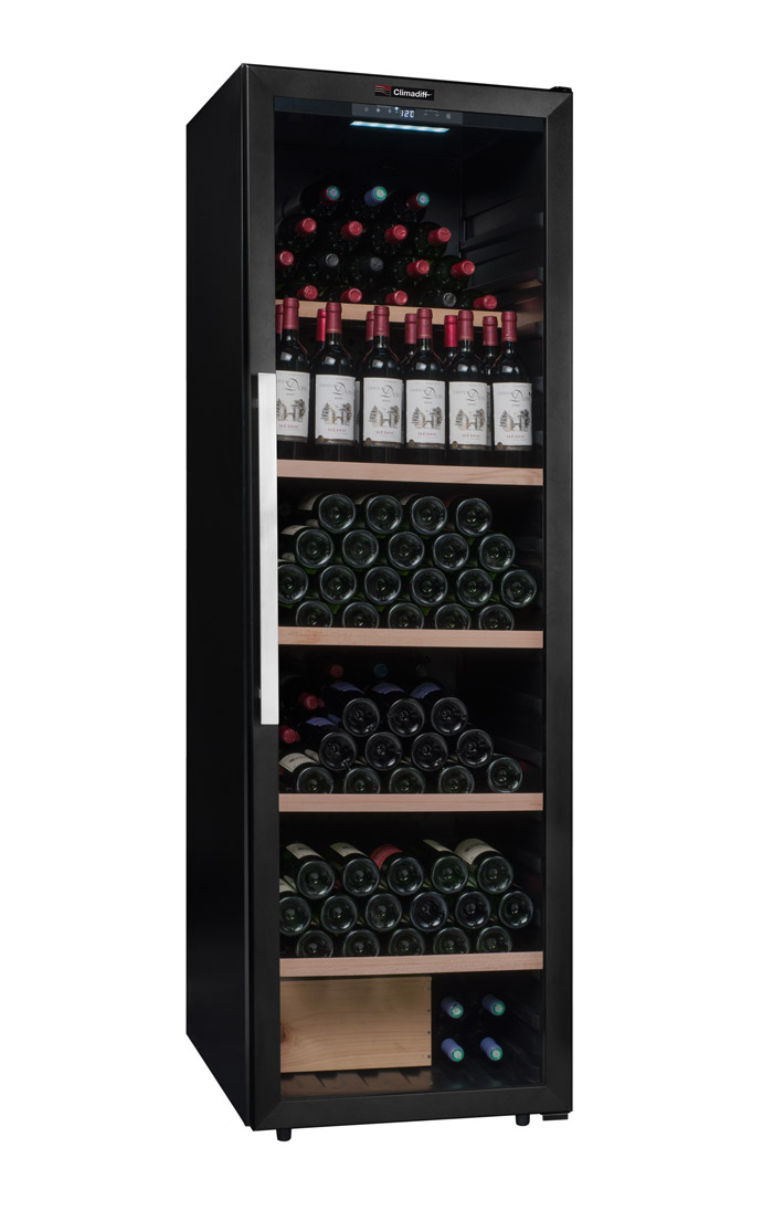 Vinlagringsskåp perfekt för att förvara öppna viner ståendes