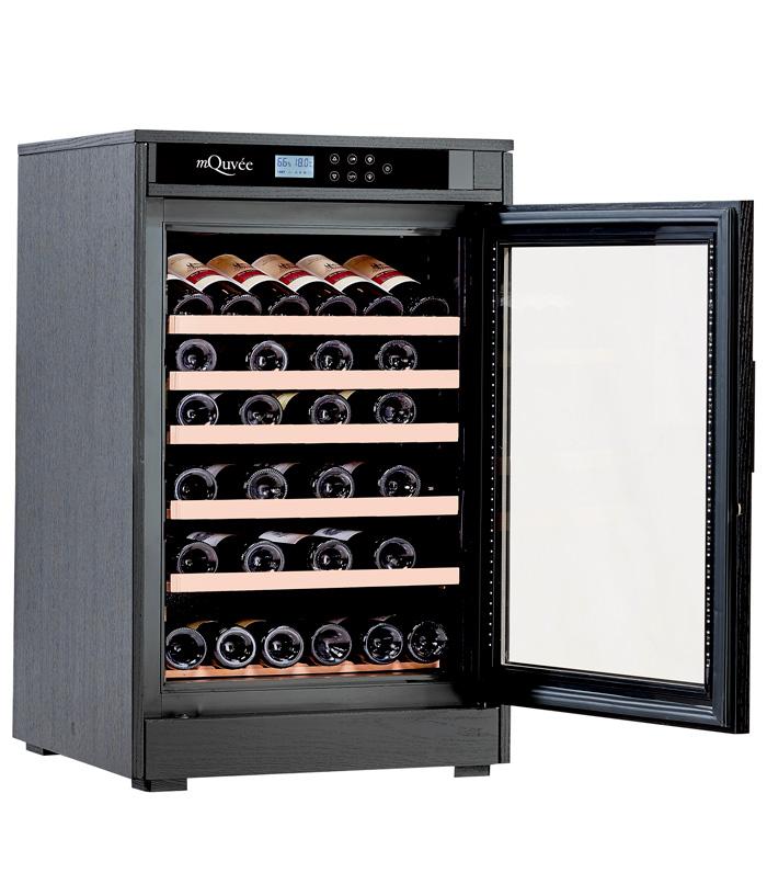 Svart vinlagringsskåp som kan lagra 46 vinflaskor
