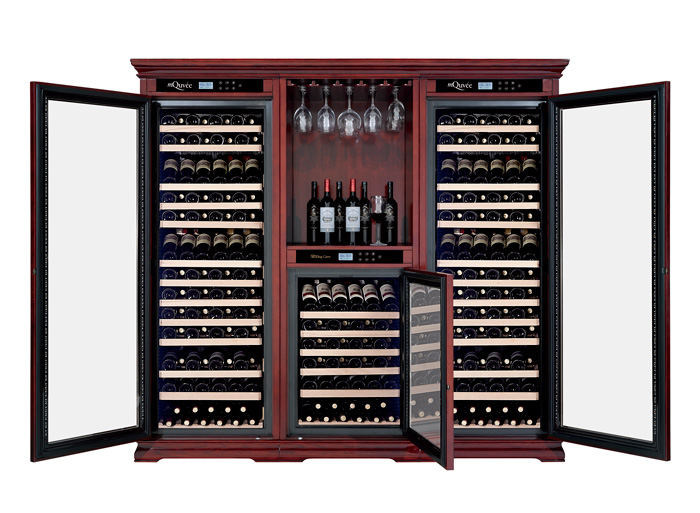 Massivt brunt vinlagringsskåp med 2 öppna dörrar